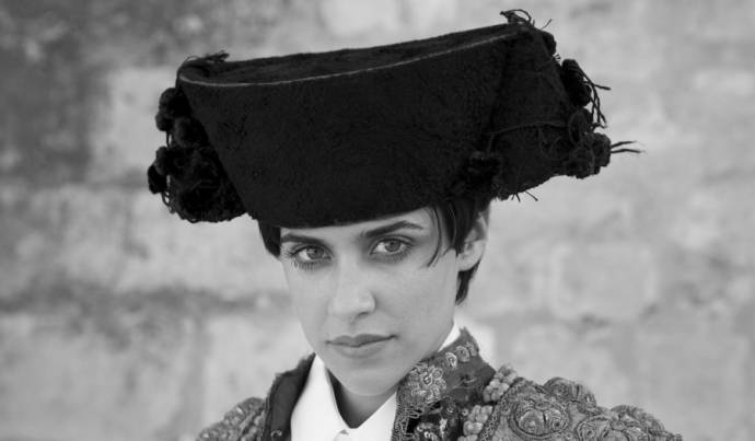 Maribel Verdú (Encarna) in Blancanieves