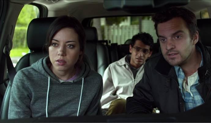 Aubrey Plaza (Darius), Karan Soni (Arnau) en Jake Johnson (Jeff)