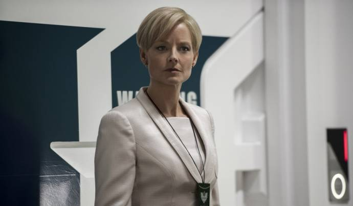 Jodie Foster (Secretary Rhodes)