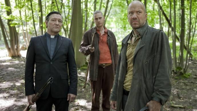 Pierre Bokma (Priest), Reinout Scholten van Aschat (Man #2) en Jeroen Perceval (Richard)