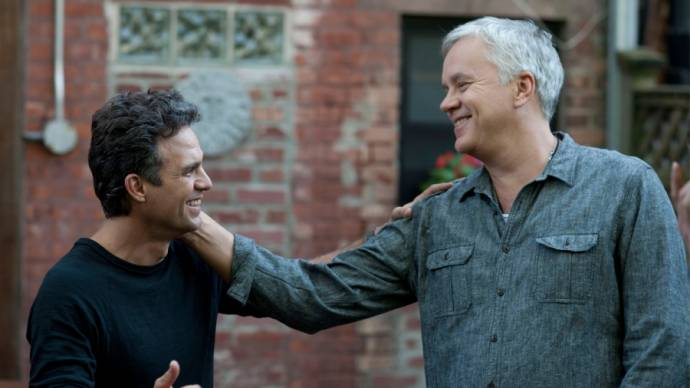 Mark Ruffalo (Adam) en Tim Robbins (Mike)