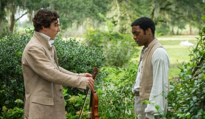 Benedict Cumberbatch (William Ford) en Chiwetel Ejiofor (Solomon Northup)