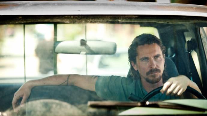 Christian Bale (Russell Baze)