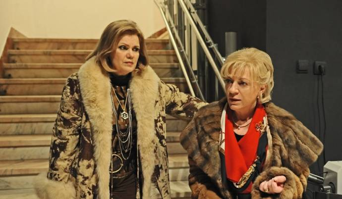 Natasa Raab (Olga Cerchez) en Luminita Gheorghiu (Cornelia Kerenes)