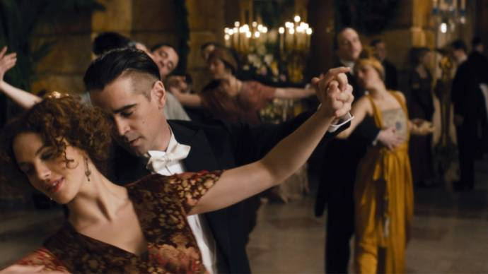 Jessica Brown Findlay (Beverly Penn) en Colin Farrell (Peter Lake)