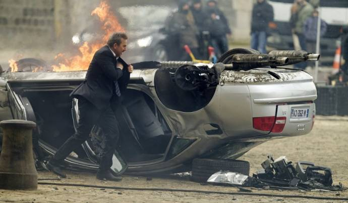 Kevin Costner (Ethan Runner)