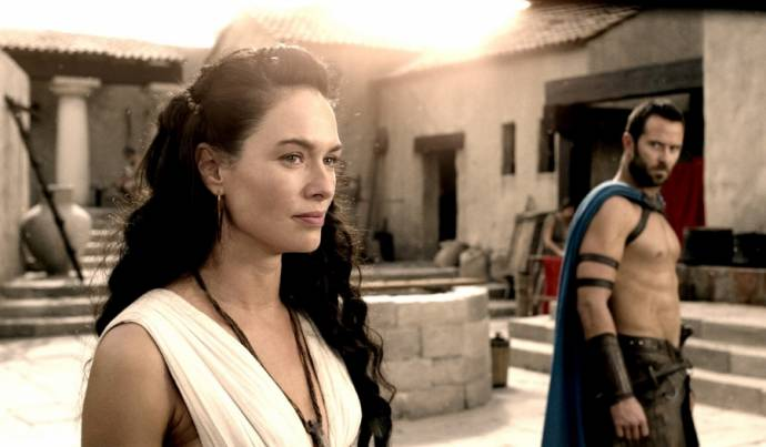 Lena Headey (Queen Gorgo) en Sullivan Stapleton (Themistocles)