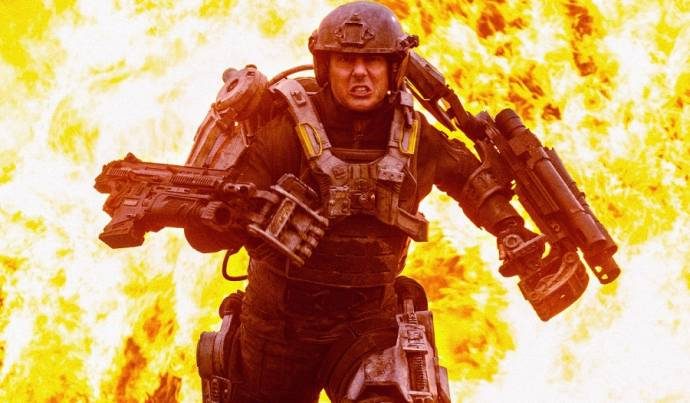 Tom Cruise (Lt. Col. Bill Cage)