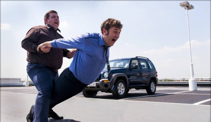 Nick Frost (Bruce Garrett) en Chris O'Dowd