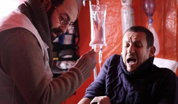 Kad Merad (Dr. Dimitri Zvenka) en Dany Boon (Romain Faubert)