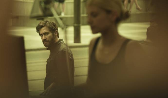 Jake Gyllenhaal (Adam Bell / Anthony St. Claire) en Mélanie Laurent (Mary)