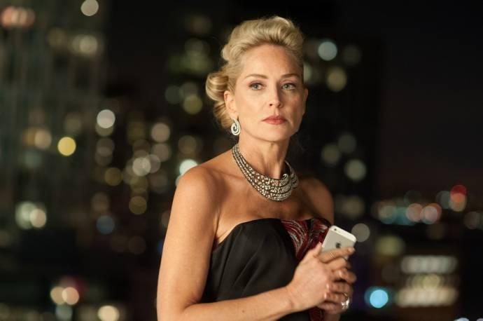 Sharon Stone (Dr. Parker)