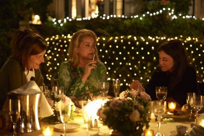 Chiara Mastroianni, Catherine Deneuve en Charlotte Gainsbourg