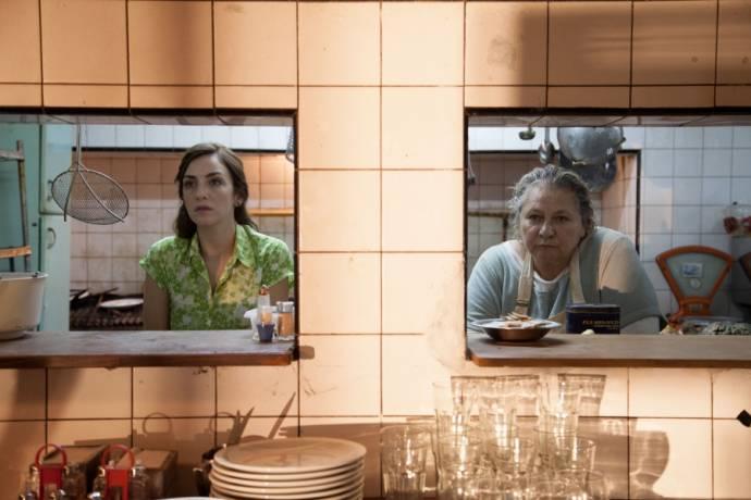 Julieta Zylberberg (Moza) en Rita Cortese (Cocinera)