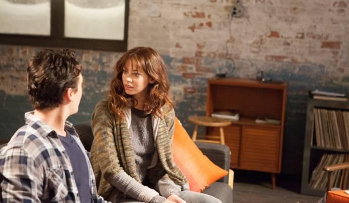 Miles Teller (Alec) en Analeigh Tipton (Megan)