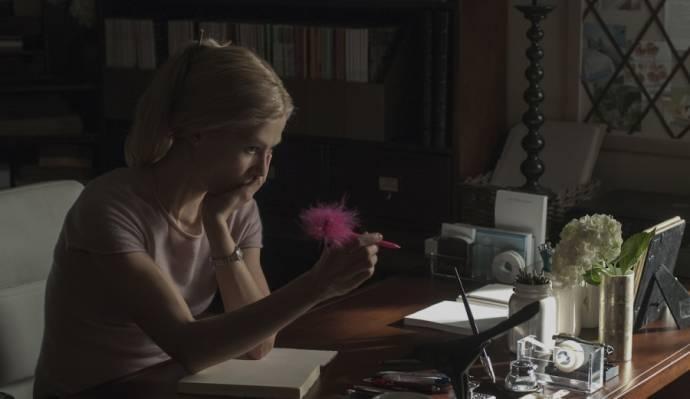Rosamund Pike (Amy Dunne)