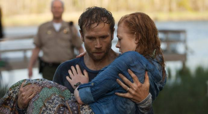 Mark Webber (Preston) en Sarah Snook (Jessie)