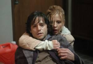 Jason Behr en Sarah Michel Gellar in The Grudge