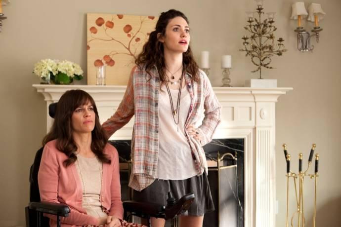 Hilary Swank (Kate) en Emmy Rossum (Bec)