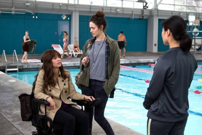 Hilary Swank (Kate), Emmy Rossum (Bec) en Chris Lee (Swim Teacher)