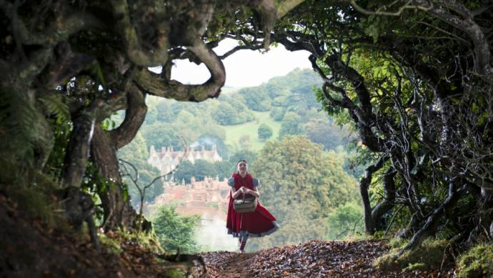 Lilla Crawford (Red Riding Hood)