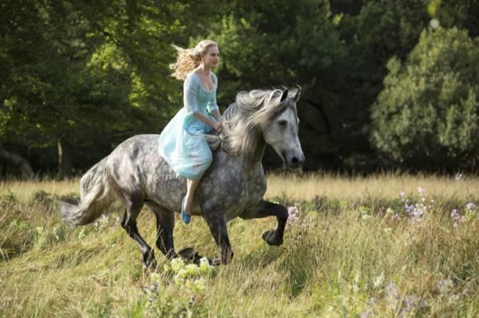 Lily James (Cinderella)