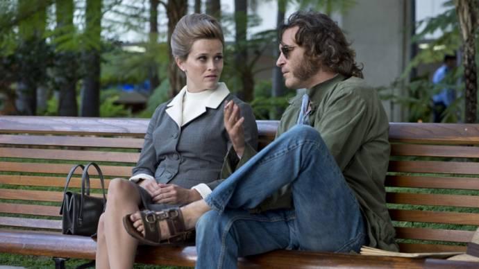 Reese Witherspoon (Penny) en Joaquin Phoenix (Doc Sportello)
