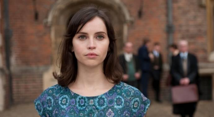 Felicity Jones (Jane Hawking)