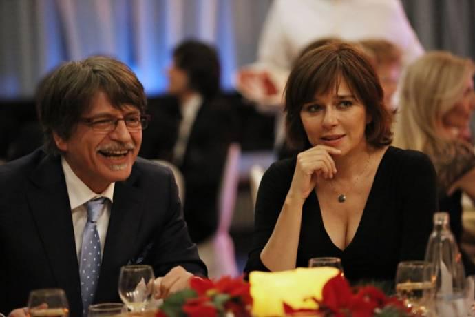 Fabrizio Bentivoglio (Dino Ossola) en Valeria Golino (Roberta)