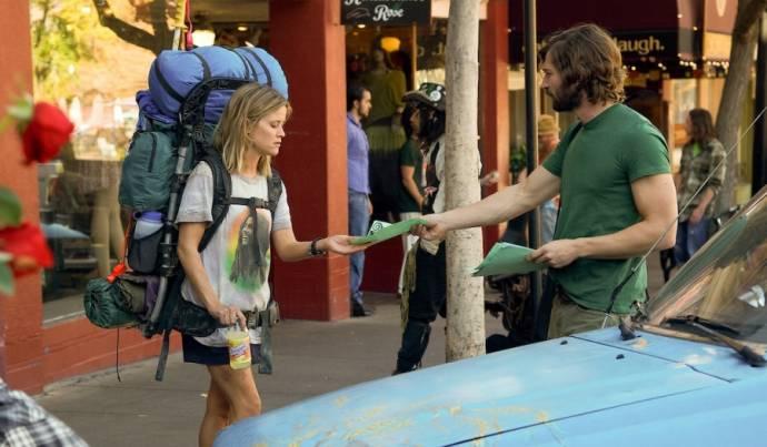 Reese Witherspoon (Cheryl) en Michiel Huisman (Jonathan)