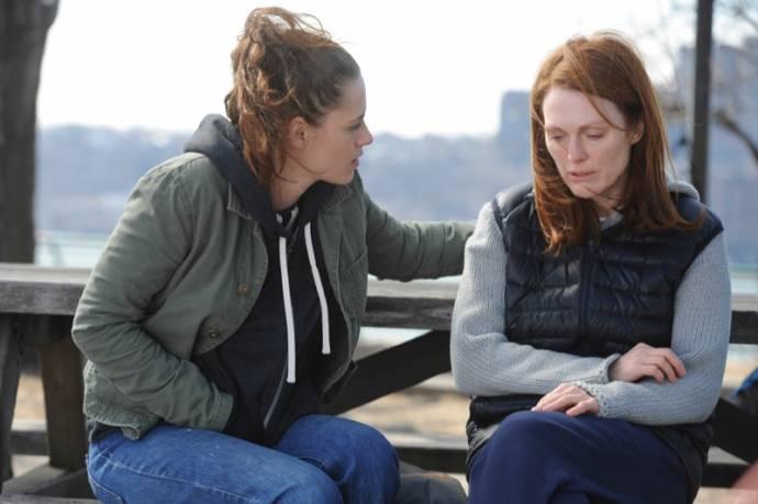 Kristen Stewart (Lydia Howland) en Julianne Moore (Dr. Alice Howland)