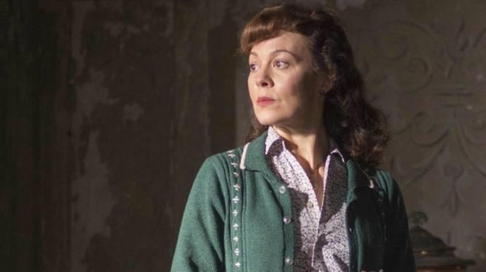 Helen McCrory (Jean Hogg)