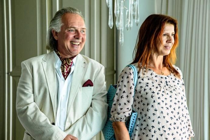 Rik Mayall (Eddie) en Isa Hoes (Julia)