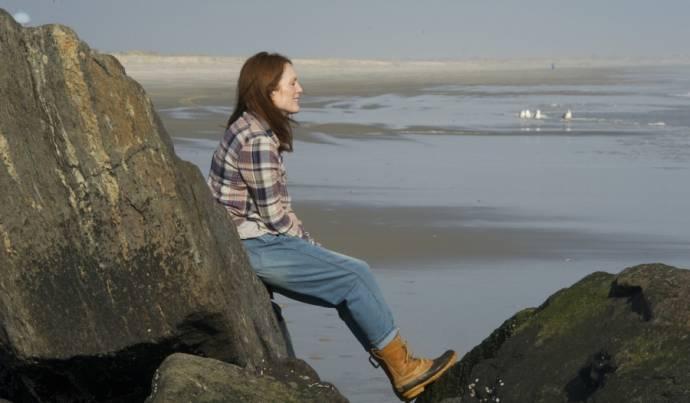 Julianne Moore (Dr. Alice Howland)