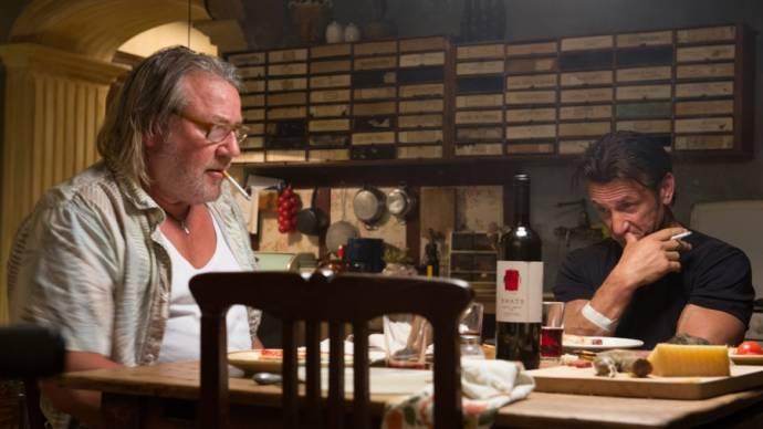 Ray Winstone en Sean Penn (Jim Terrier)