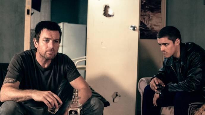 Ewan McGregor (Brendan) en Brenton Thwaites (JR)
