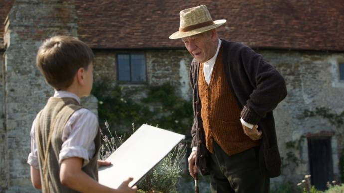 Ian McKellen (Sherlock Holmes) en Milo Parker (Roger)