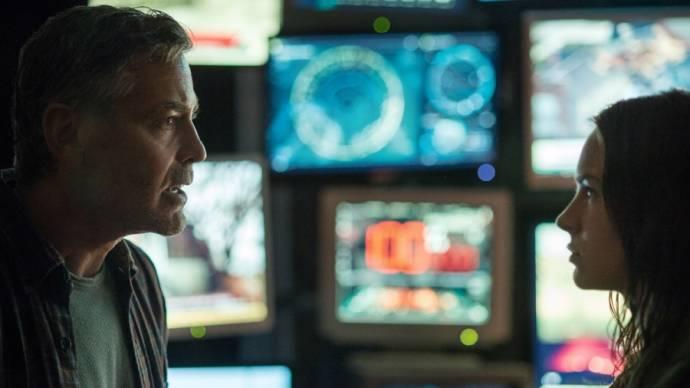 George Clooney (Frank Walker) en Brittany Robertson (Casey Newton)
