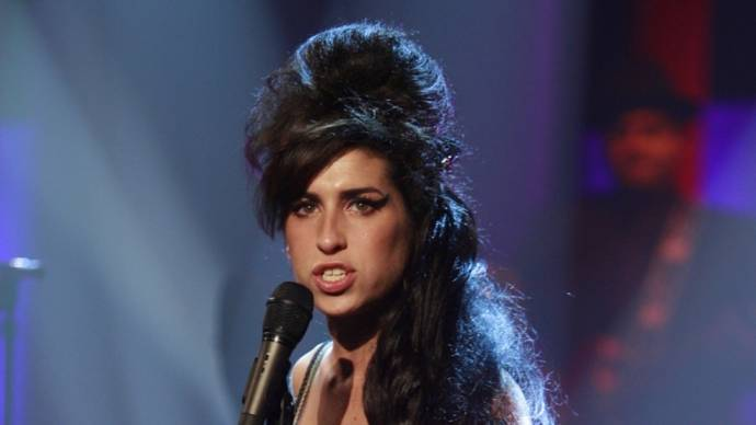 Amy Winehouse (Zichzelf (archive footage))
