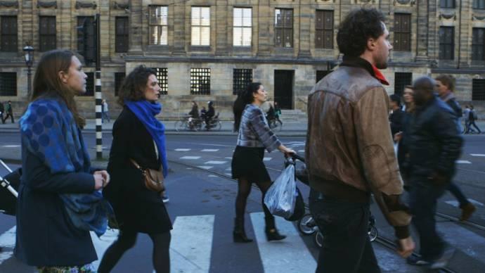 Michael Bloos (Seb), Anne Gehring (Misha) en Vera Ketelaars (Yvonne)