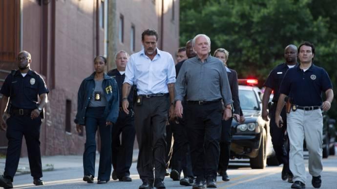 Jeffrey Dean Morgan (Agent Joe Merriweather) en Anthony Hopkins (John Clancy)