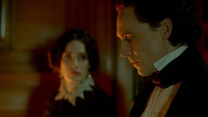 Jessica Chastain (Lady Lucille Sharpe) en Tom Hiddleston (Sir Thomas Sharpe)