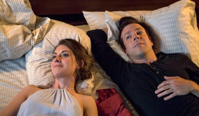 Alison Brie (Lainey) en Jason Sudeikis (Jake)
