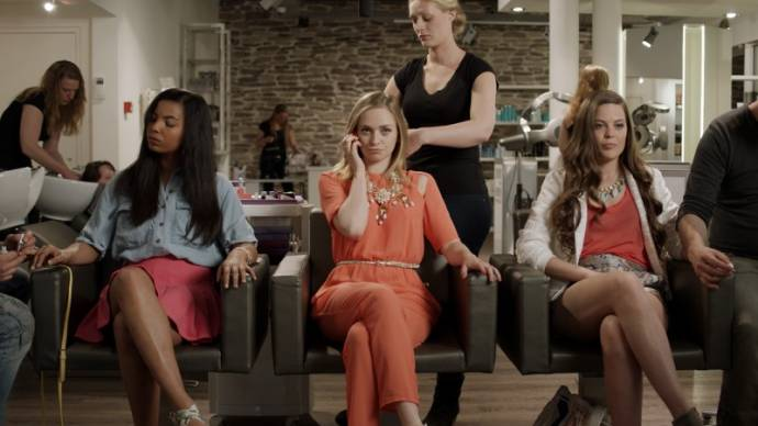 Melody Raymann (Mercedes), Pip Pellens (Tiffany) en Robin Martens (Anne-Fleur () in Fashion Chicks