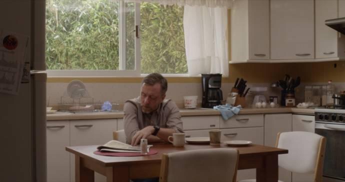Tim Roth (Hank Harris)