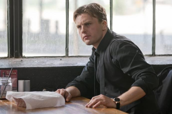 Michael Pitt (Zach)