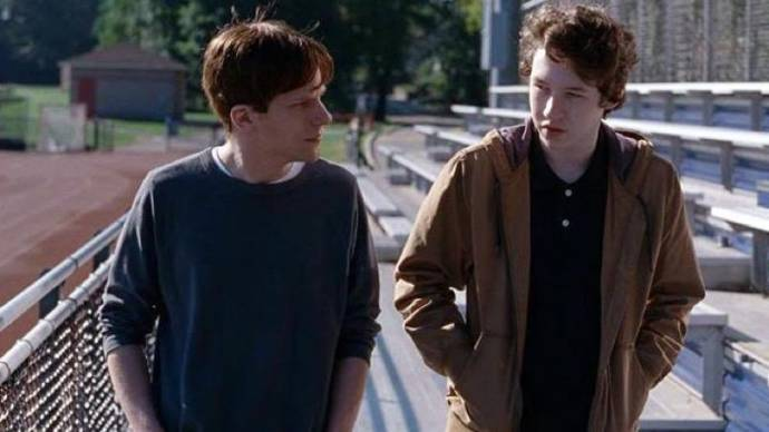 Jesse Eisenberg (Jonah) en Devin Druid (Conrad Reed)