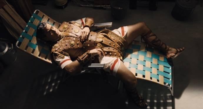 George Clooney (Baird Whitlock)