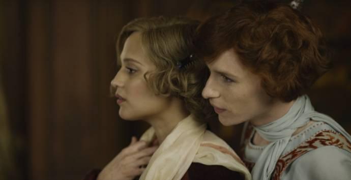 Alicia Vikander (Gerda Wegener) en Eddie Redmayne (Einar Wegener / Lili Elbe)
