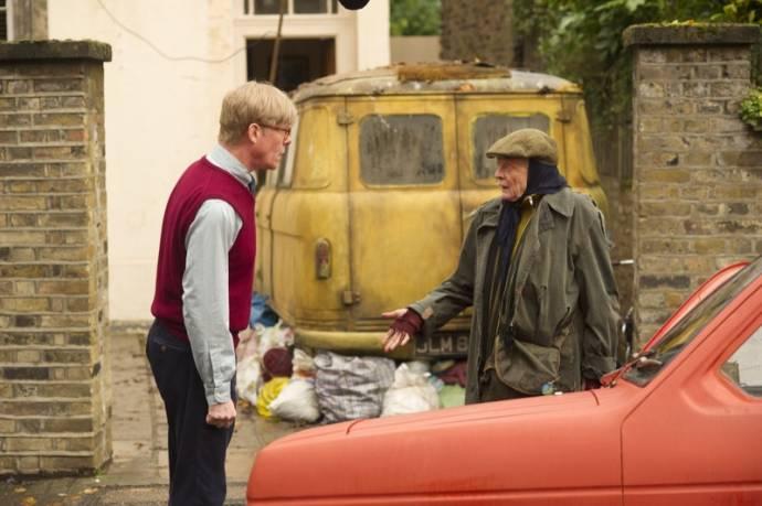 Alex Jennings (Alan Bennett) en Maggie Smith (Miss Shepherd)